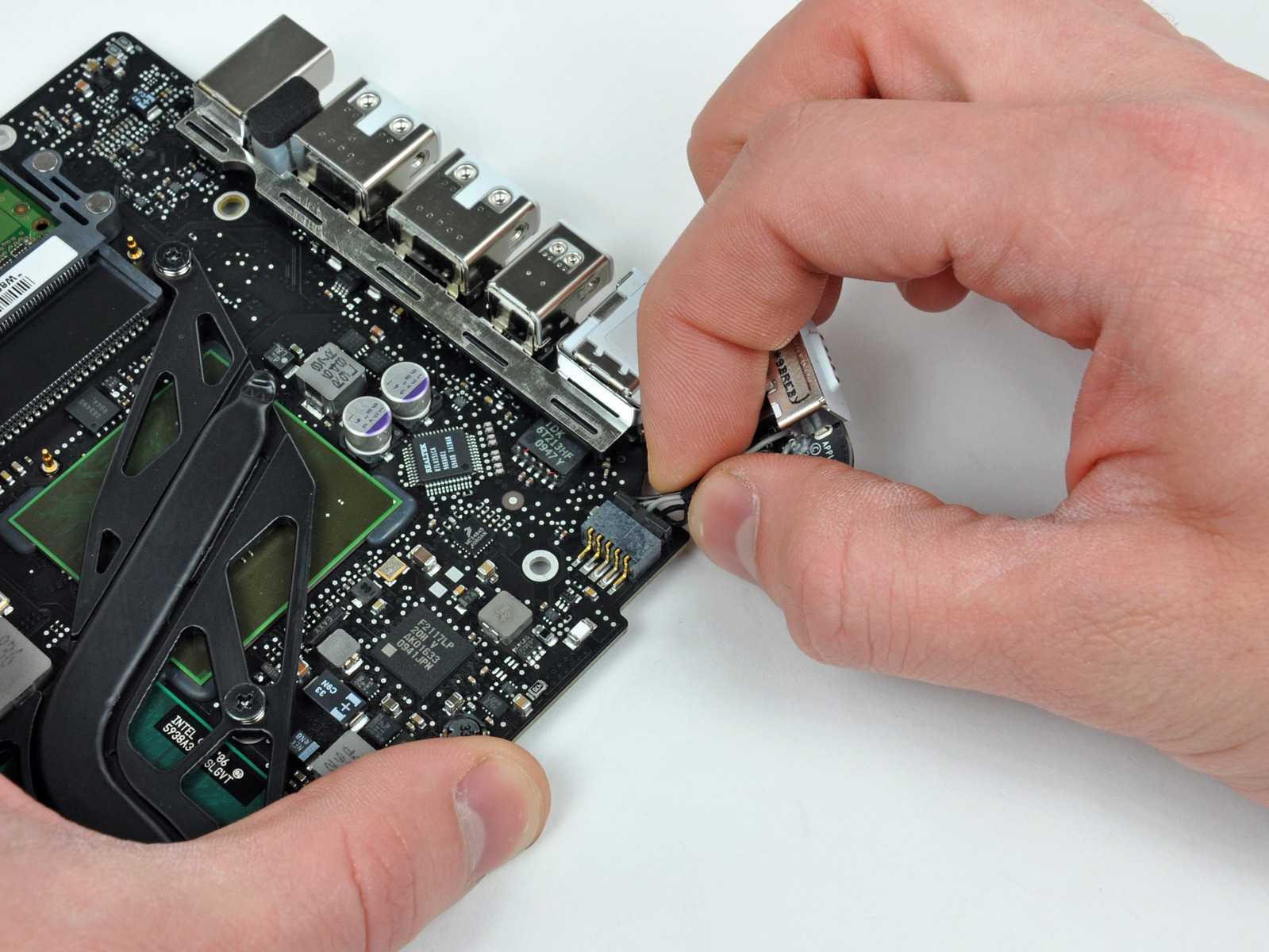 Замена разъема на ноутбуке (зарядка, аудио, USB) в Уфе