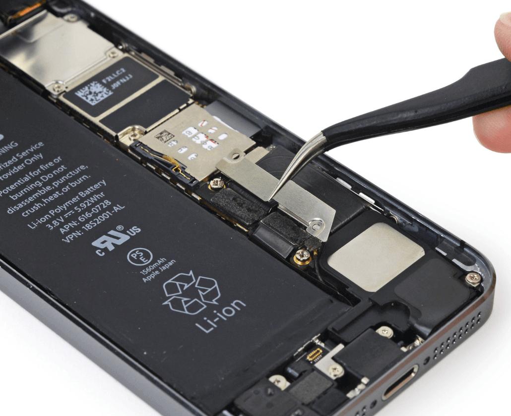 Как заменить аккумулятор на iPhone 5s